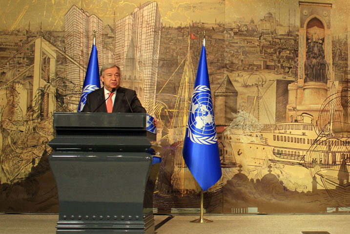 Secretary-General António Guterres (left) at a press conference in Istanbul with Prime Minister Binali Yildirim of Turkey. UN Photo/UNIC Ankara