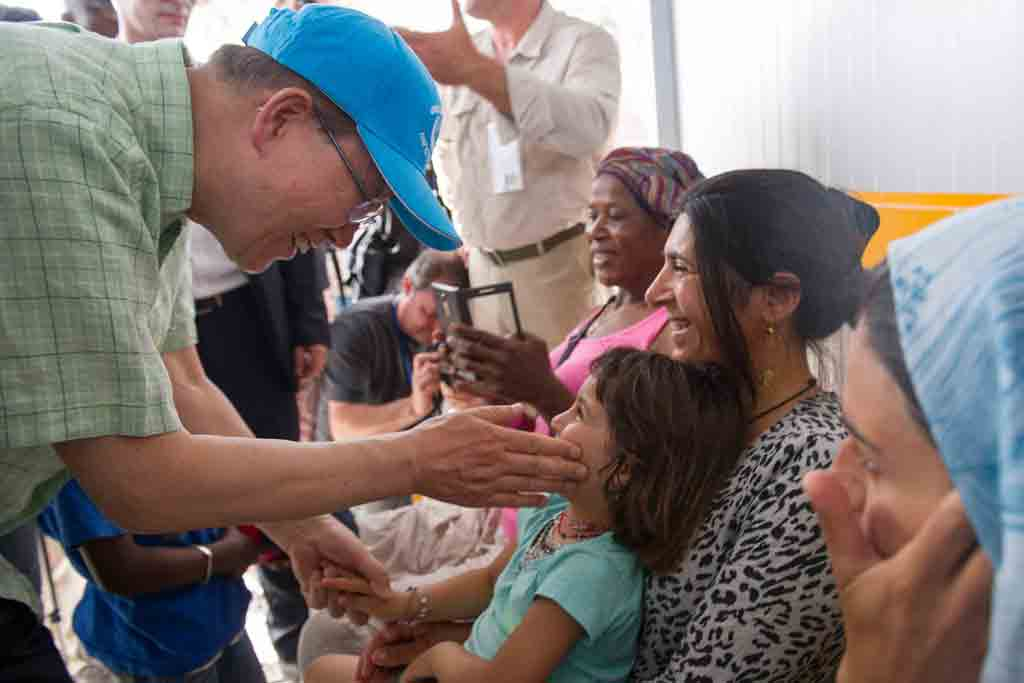 Secretary-General Ban Ki-moon visits the Kara Tepe refugee camp on the Greek island of Lesbos. UN Photo/Rick Bajornas