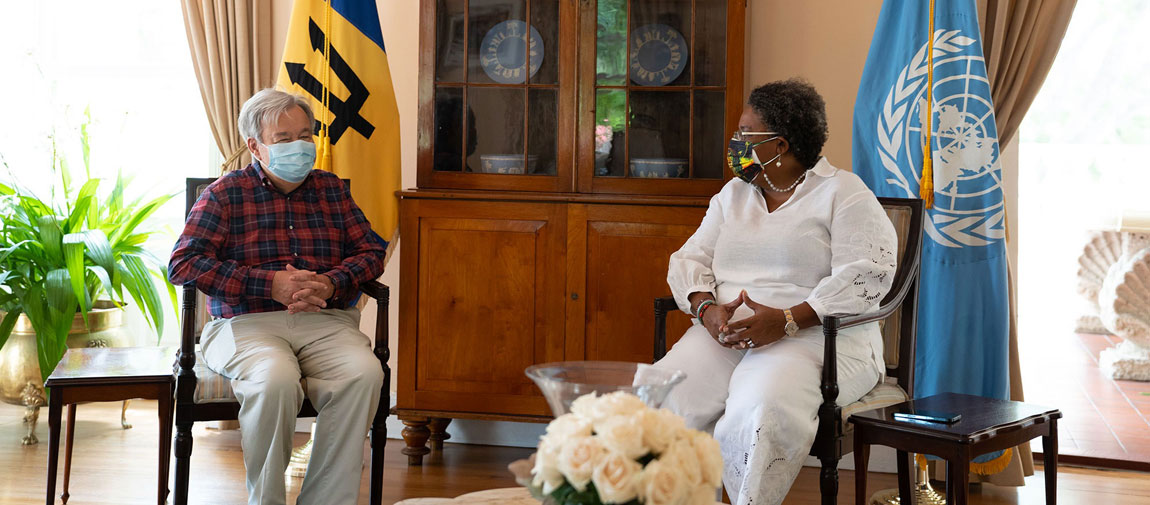 Secretary-General António Guterres (left) meets with Prime Minister Mia Mottley of Barbados. Photo: UN Barbados and the Eastern Caribbean/Bajanpro