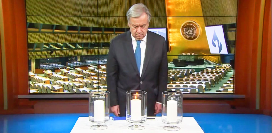 Secretary-General António Guterres lights a candle during the commemoration of the International Day of Reflection on the 1994 Genocide Against the Tutsi in Rwanda. UN Photo/Eskinder Debebe