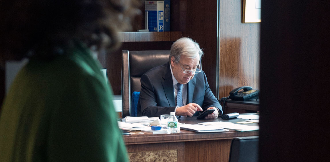 Secretary General Antonio Guterres at work in his office before attending meetings with world leaders. UN Photo/Eskinder Debebe