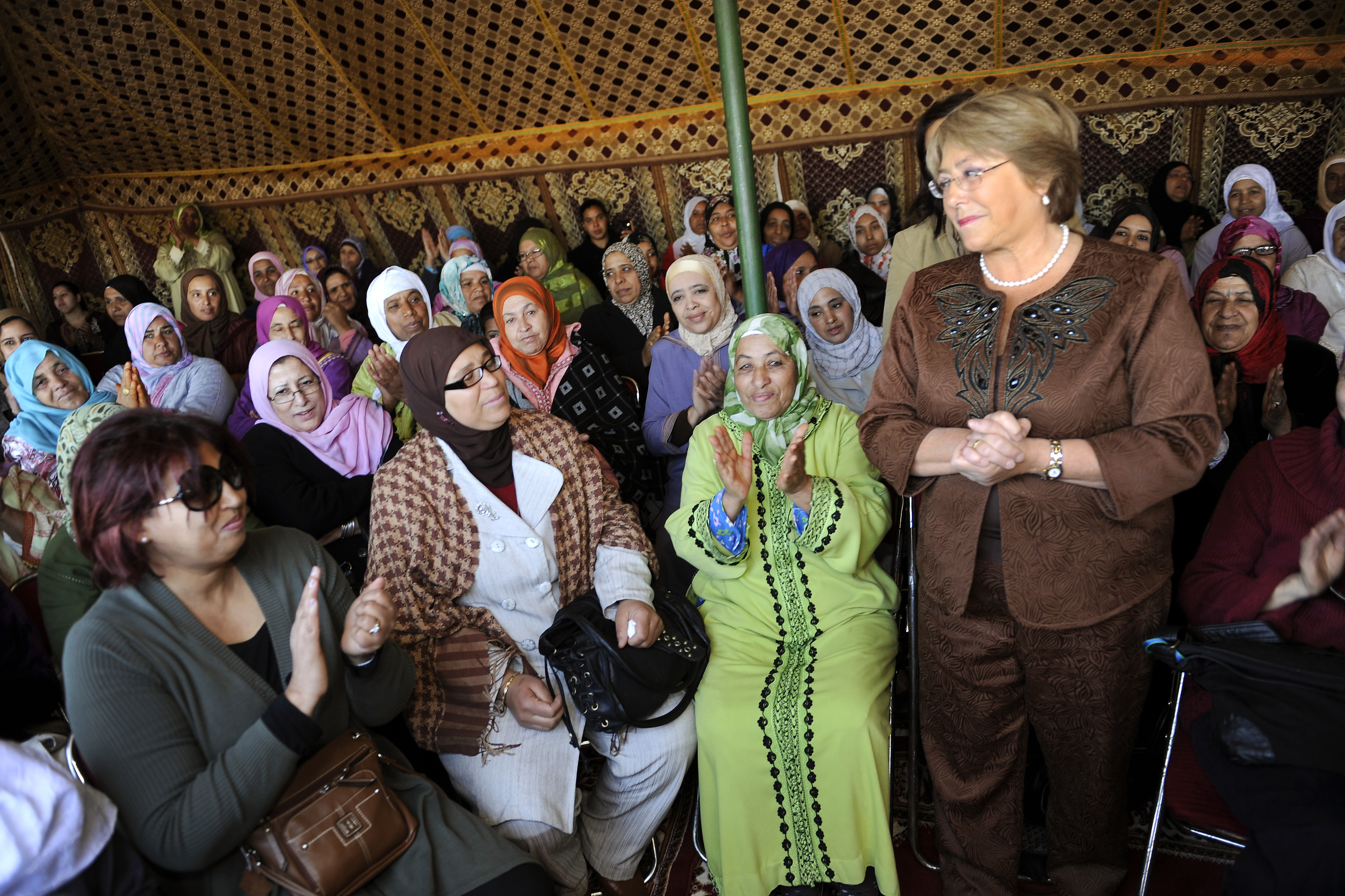 Michelle Bachelet meets with rural women of the Soulalyates ethnic group in Morocco