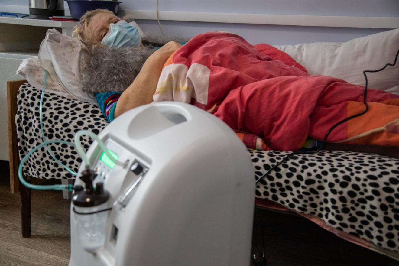 UNICEF-supplied oxygen machines helped a 58-year-old woman in Ukraine fight COVID-19.