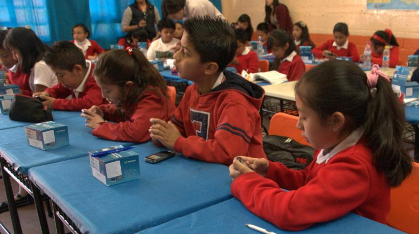 Primary school math students in the MatiTec program in Santa Fe, Mexico City, 20 March 2012. Talento Tec. Wikimedia Commons