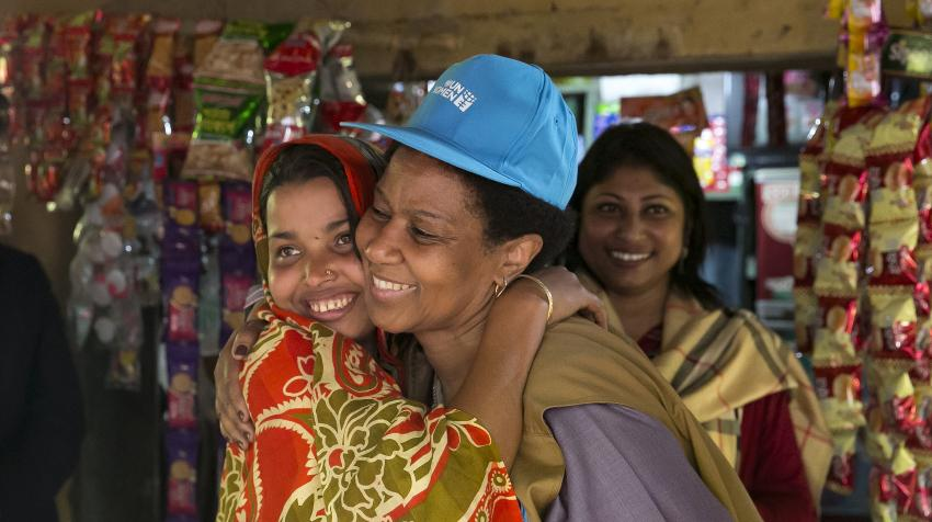 UN-Women Executive Director Phumzile Mlambo-Ngcuka visits the Rohingya refugee camps in Cox's Bazar, in Bangladesh, and meets with a number of refugee women and girls. 31 January 2018. UN-Women/Allison Joyce