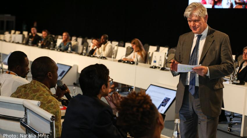 Under-Secretary-General Fabrizio Hochschild speaking to participants of the Children and Youth Roundtable at the World Urban Forum (WUF10) held in Abu Dhabi, United Arab Emirates, on 12 February 2020. ©Natalia Mroz