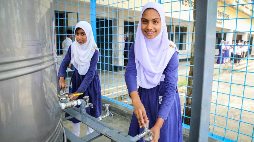 An arsenic-free water plant has been established in Sirajganj, Bangladesh, enabling students to access arsenic-free water. Previously, they had to rely on pond water, making them susceptible to disease. 5 May 2016. ©GMB Akash