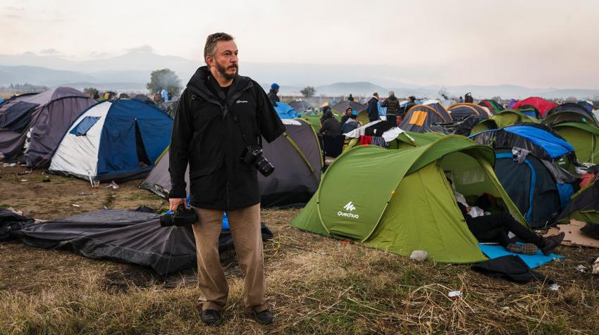 Giles Duley photographed refugees and asylum-seekers in an informal camp near Idomeni in northern Greece during 2015. © UNHCR/Achilleas Zavallis