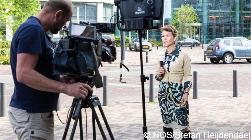 NOS TV reporter Kysia Hekster reports from Erasmus MC hospital in Rotterdam. Photo courtesy and copyright NOS/Stefan Heijdendael