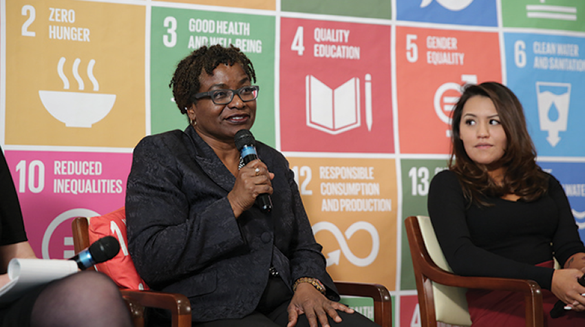 Natalia Kanem (left) at the ECOSOC Youth Forum with Nikki Fraser, National Youth Representative, Native Women's Association of Canada and Young Leader for the SDGs.© PVBLIC Foundation/Elsa Barb