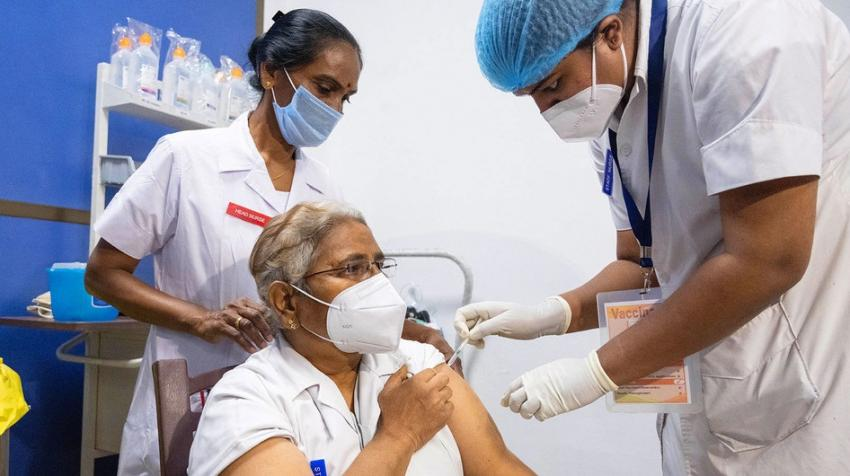 Doctors and health workers are the first to receive the COVID vaccination in India.
