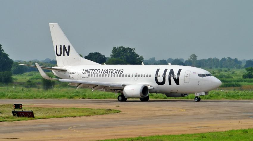 A Boeing 737-500 operated by the United Nations Humanitarian Air Service taxiing in Juba, South Sudan. Source: Wikimedia Foundation/UR-SDV