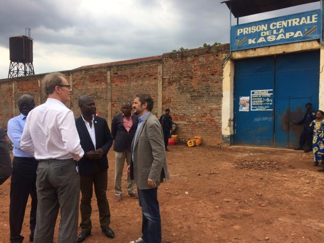 Assistant Secretary-General Andrew Gilmour visits the central prison in Kasaba, close to Lubumbashi, eastern Democratic Republic of the Congo, during a mission to the country in 2016. UN/OHCHR