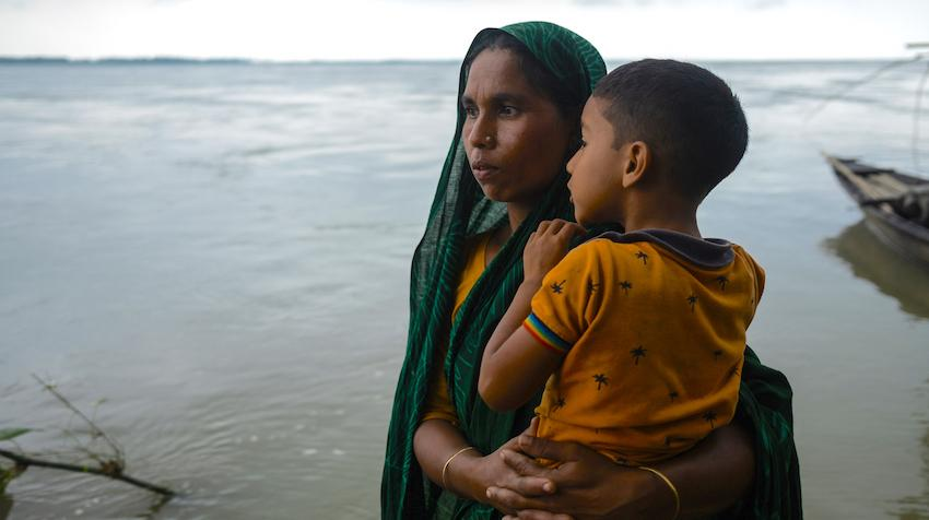 Woman with her child in Bangladesh