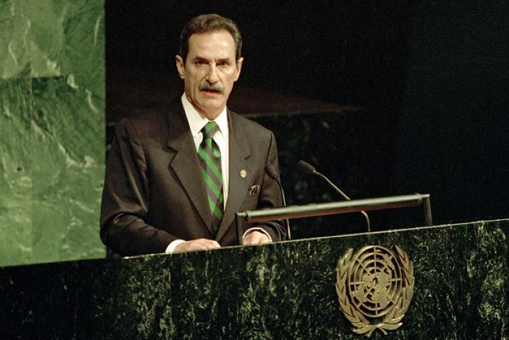 Ernesto Gil Elorduy, President of the World Parliamentarians for Habitat, addresses the General Assembly.