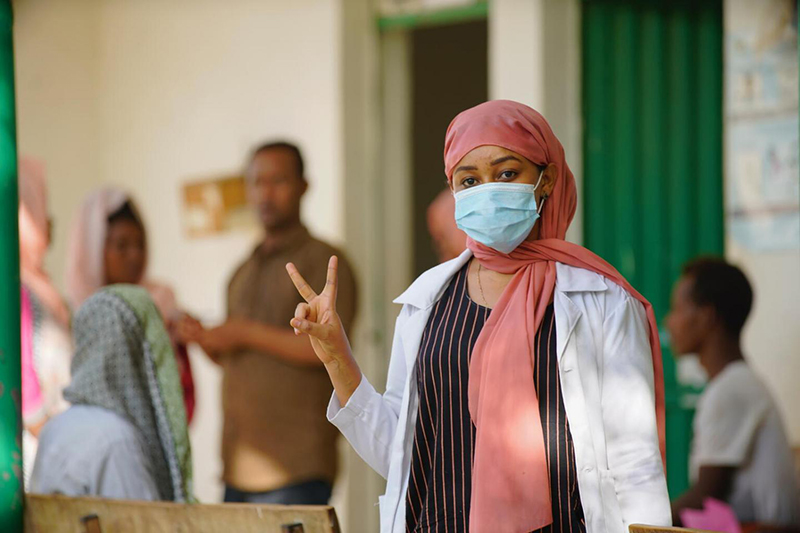 woman at vaccination centre