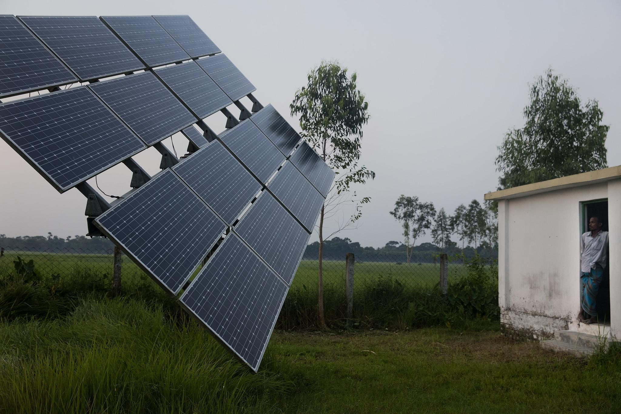 Bringing solar irrigation to farmers and solar home systems to families in Bangladesh.