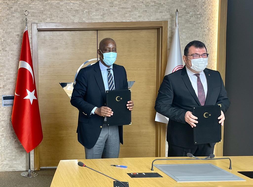 Prof. Dr. Hasan Mandal, President of TUBITAK and Mr. Joshua Setipa, UN Technology Bank's Managing Director during the signing ceremony.