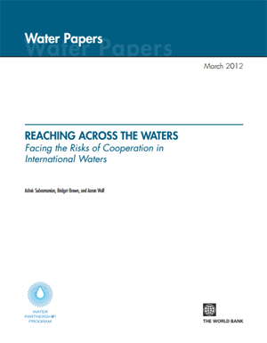 Reaching Across the Waters. Facing the Risks of Cooperation in International Waters