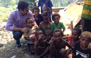 Envoy on Youth Ahmad Alhendawi visiting slum areas in Papua new-Guinea