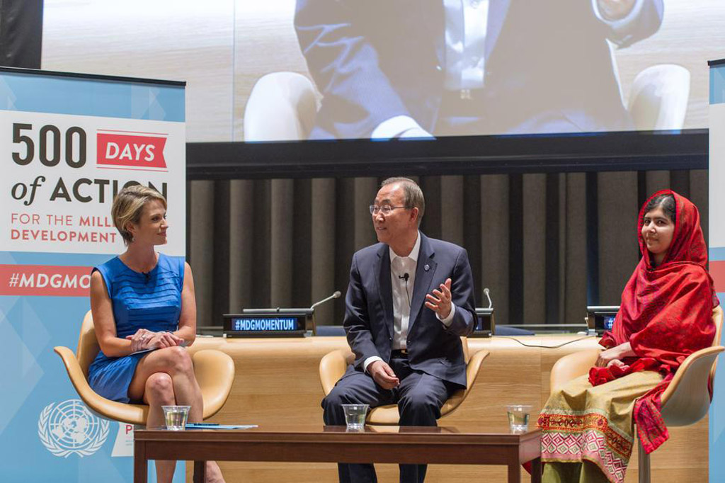 Secretary-General Ban Ki-moon (centre is flanked by Malala Yousafzai (right) and ABC News anchor Amy Robach during an interactive event to mark 500 Days of Action for the MDGs. UN Photo/Mark Garten