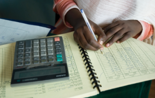 Economic development projects in Ethiopia teach accounting to young entrepreneurs. Credit: UNDP